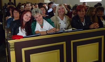 ...és a gyülekezet1